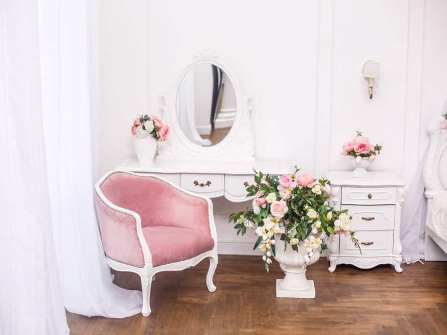 How to choose a Makeup Vanity Table